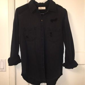 Hollister Distressed Top NWOT